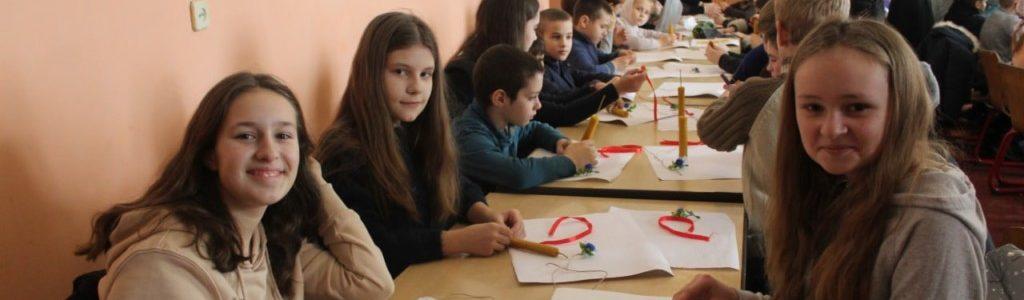 Як у Волинській духовній семінарії виготовляли Стрітенські свічки (ФОТО)